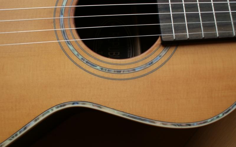 Snaren vervangen van je klassieke gitaar