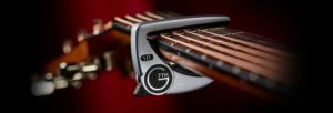 G7th capodastro, spelen met een capodastro