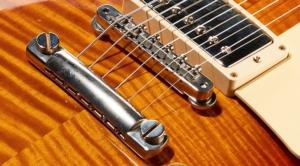 Voorbeeld van een Gibson gitaarbrug